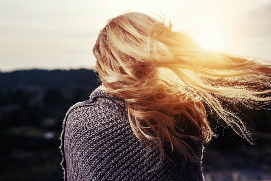 【女性の髪型】髪型が与える印象・イメージとは?