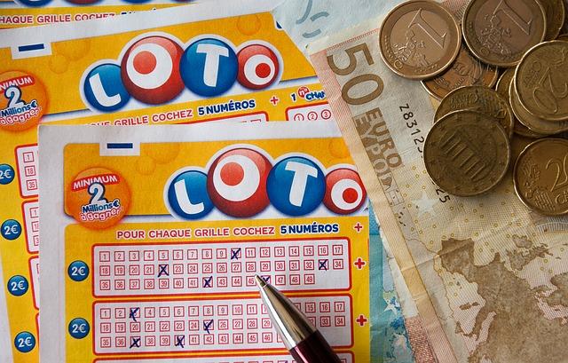 宝くじとは?|種類・当選確率・当選金の受け取り方法